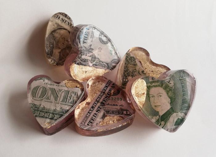 6 resin banknotes hearts